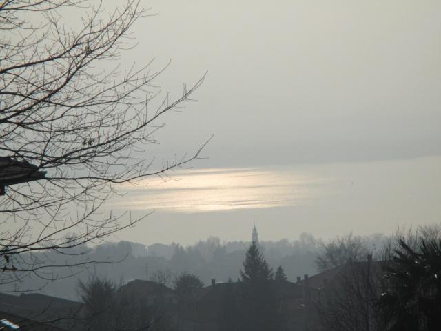 Primi raggi nella nebbia