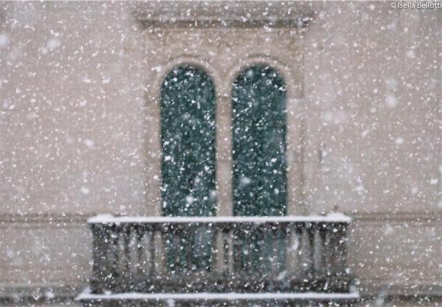Neve alla finestra