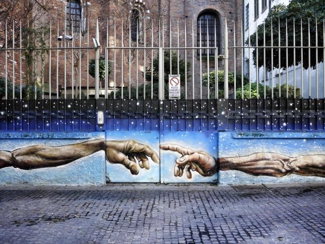 Qua la mano