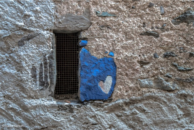 L'amore al muro