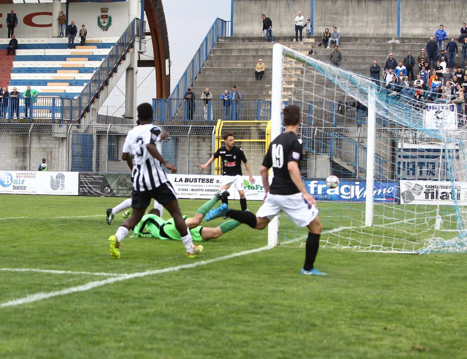 Busto Arsizio 02/04/2017#br/#Campionato Serie D Gir B#br/#Aurora Pro Patria - Cavenago Fanfulla#br/#Nella foto: 2 0 GOAL DI DISABATO